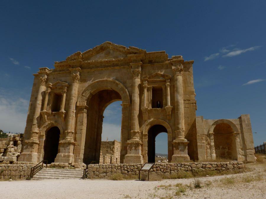 Hadrianus boog in Jarash, Jordanië